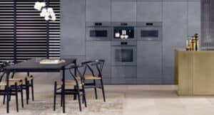 graue Küchenfront ohne Griffe